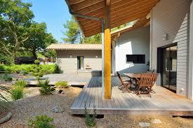jacuzzi bois exterieur pour terrasse propriété labélisée bbc construction de maisons en bois bbc dans