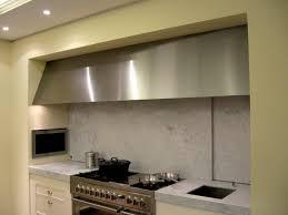 hotte de cuisine design equiper votre cuisine avec de l inox so inox
