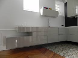 cuisine suspendue cuisine suspendue dans appartement haussmannien contemporain