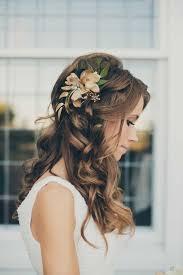 Hochsteckfrisurenen Hochzeit Mit Blumen by Die Besten 25 Halbe Locken Ideen Auf Die Halben Haare