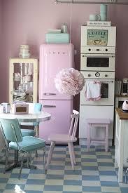 vintage cuisine on décode la déco une cuisine vintage et pastel planete deco a