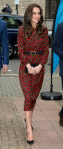 kate middleton u0027s festive floral dress is already sold out