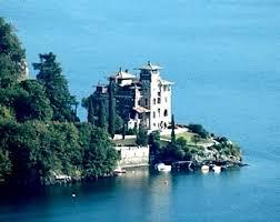 villa la gaeta san siro lake como italy bond lifestyle