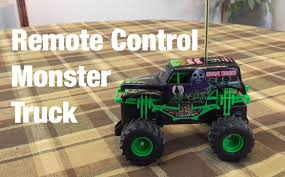 grave digger 30th anniversary monster truck toy remote control monster truck unboxing grave digger youtube