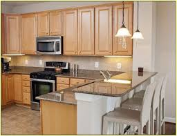 Kitchens With Light Maple Cabinets Maple Kitchen Cabinets With White Granite Countertops Tehranway