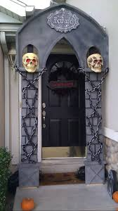 53 scary halloween decorations front door halloween door by