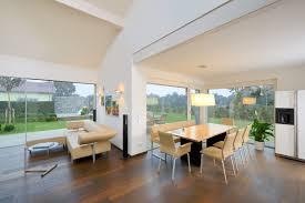 wohn esszimmer helles wohn und esszimmer mit bodentiefen fenstern wohnzimmer