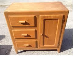 transformer un meuble ancien comment repeindre un meuble ancien en moderne faberk maison