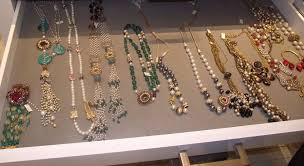 boutique designer jewellery 44 boutique earrings best 20 boutique jewelry display ideas on