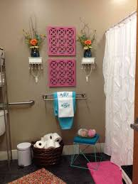 beautiful chic small bathroom diy ideas with paintings on walls