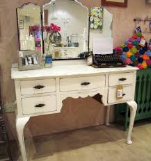 Vanity Table With Lighted Mirror Diy by Invigorating Makeup Vanity Ideas And 5 Drawers As Wells As Be