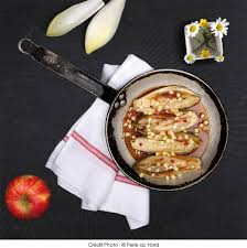 cuisiner les endives autrement endives glacées à la normande a vos assiettes recettes de