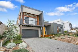 torquay home designed for a sloping block