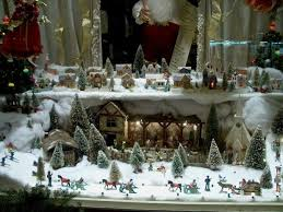 Best Christmas Store Window Decorations by 99 Best Christmas Windows Images On Pinterest Christmas Windows