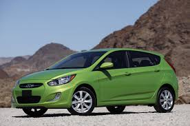 2012 hyundai accent five door autoblog
