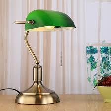 bureau vert loft vintage industrielle table lumière edison le de bureau vert