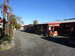 Cottages In New Zealand by Glow Worm Cottages In Franz Josef Best Hostel In New Zealand