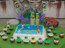 mama u0027s little cakes toy story cake and cupcakes