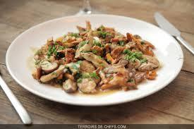 cuisiner la cervelle d agneau cervelles d agneau aux cèpes et girolles une recette de gilles epié