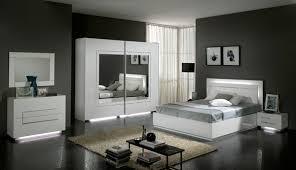chambre à coucher blanc et noir davaus chambre a coucher moderne noir et blanc avec des
