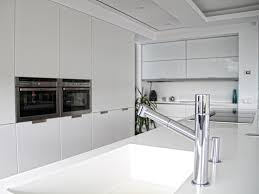 cuisine santos alipa cociñas projets santos minos laqué noir mat et blanc brillant