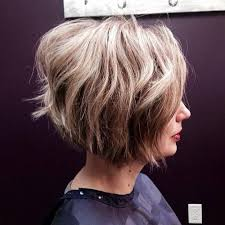 how to stlye a stacked bob with wavy hair 22 stylish styles for inverted bobs short haircuts for women 2016