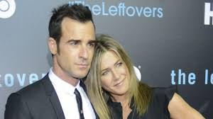 background pictures for newly wed halloween coiple jennifer aniston and justin theroux step out in really creepy