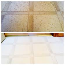 How To Clean Laminate Floors With Vinegar And Water Believe It Or Not The Top Photo Is My Bathroom Floor That Had Just