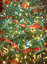 how to trim a beautiful christmas tree encouraging hearts at