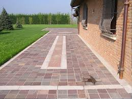 pavimentazione giardino prezzi gallery of piastrelle per esterni autobloccanti plastica design