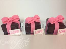 edible favors personalized chocolate cards and edible favors sweet