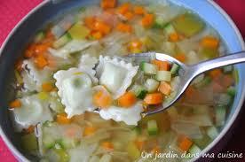 comment cuisiner les ravioles soupe de légumes aux ravioles un jardin dans ma cuisine
