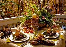 diy thanksgiving decorations outdoor table acorns mini pumpkins