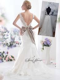 robe de mariã e dentelle dos robe de mariee en dentelle avec des bretelle ou des manches et un