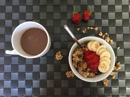c est au programme cuisine ce matin je vous propose un petit déjeuner bio à base de muesli