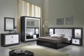 chambre à coucher blanc et noir beau deco chambre noir et blanc avec chambre coucher moderne