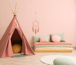 couleur mur chambre fille bien choisir la couleur d une chambre d enfant