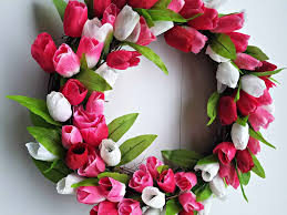 tulip wreath diy tulip wreath a house a lot of kids