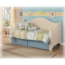 cottage retreat bedroom set b213 80 ashley furniture cottage retreat bedroom daybed day bed