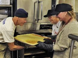 where to volunteer on thanksgiving in asheville area