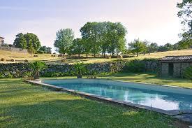 chambre hotes ardeche chambre d hôtes luxe et piscine château du besset ardèche
