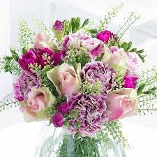 flowers with free delivery christmas flowers free delivery flying flowers