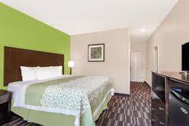 Courts Furniture Store Jamaica Queens by Days Inn Jamaica Jfk Queens Ny Booking Com