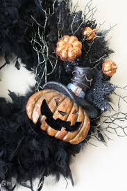 28 halloween boa wreath feather boa wreath tutorial amanda