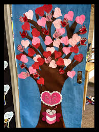 Valentine Decoration Ideas On Pinterest by This Is A Cute Idea For A Valentine U0027s Day Classroom Door Display
