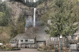 river oregon lodging multnomah falls lodge and restaurant columbia river gorge oregon