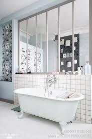 interieur salle de bain moderne salle de bains avec verrière d u0027intérieur carreaux de ciment et