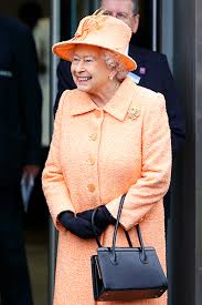 queen handbag what s inside the queen s handbag and why is it so significant