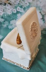 Geode Ring Box Pearl Gold Ring Cake Box Cakecentral Com