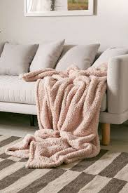 Faux Fur Blankets And Throws Best 25 Throw Blankets Ideas On Pinterest Blankets Grey Throw